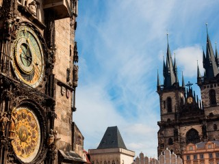 Староместская ратуша с курантами Орлой в Праге