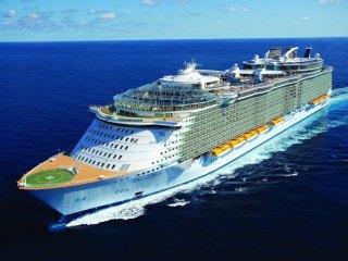 Лайнер Oasis of the Seas — 10 лучших круизов