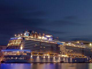 Лайнер Ovation of the Seas — 10 лучших круизов