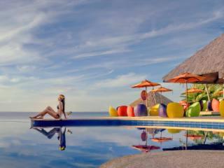 Где отдохнуть на море в мае без визы — 25 лучших направлений