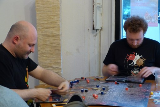 Mage Wars, un jeu à 2 d'affrontement entre deux magiciens, bientôt en vf chez Marabunta