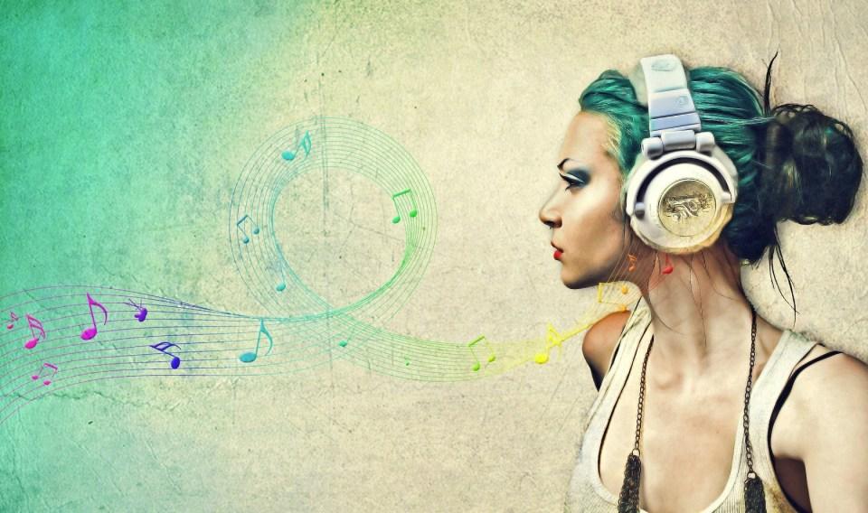 Girl-Music-Wave-Art-Wallpaper