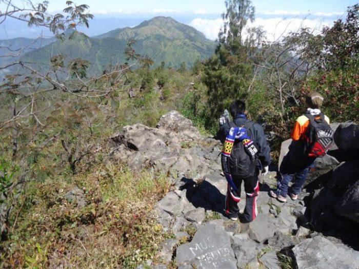 Turun gunung lawu jalur Cemoro Sewu