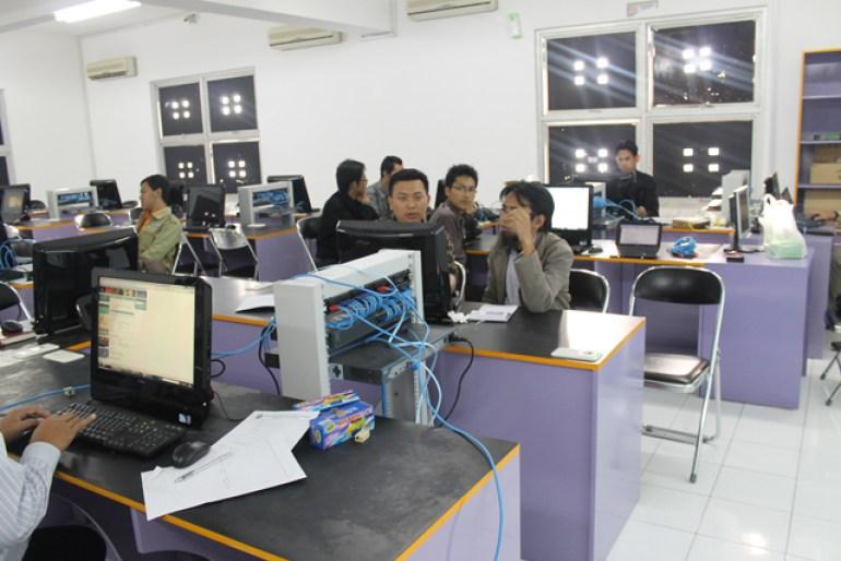 Lab Cisco STMIK Amikom Yogyakarta