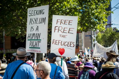refugee_walk_-50