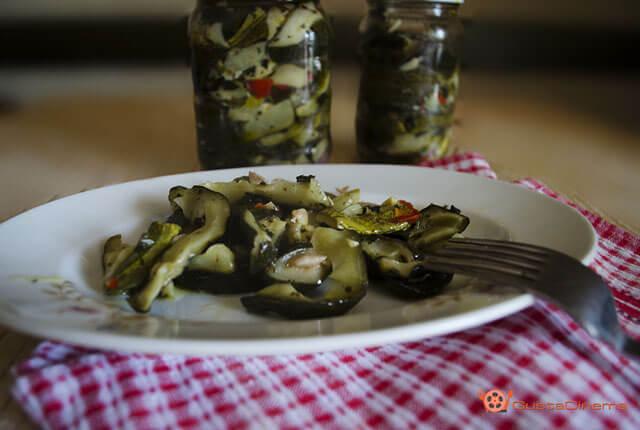 Zucchine sott'olio una conserva facile e veloce