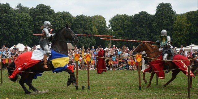 Destrier horse and medieval jousts