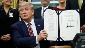 El Presidente Donald Trump firma La Ley de Prevención de la Crueldad y la Tortura Animal (PACT)
