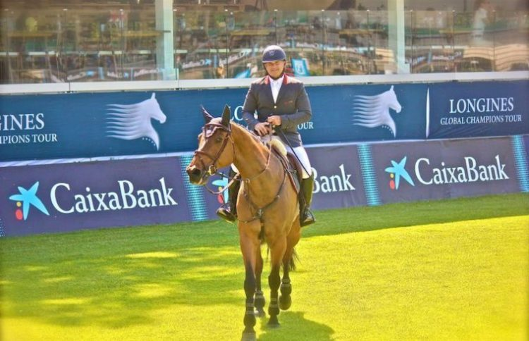 Gustavo Mirabal Castro on horseback - Longines
