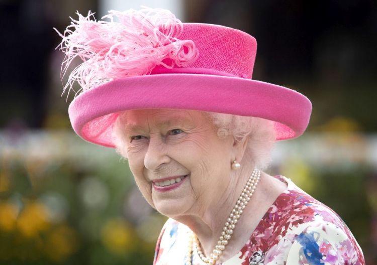 Reina Isabel y su salud