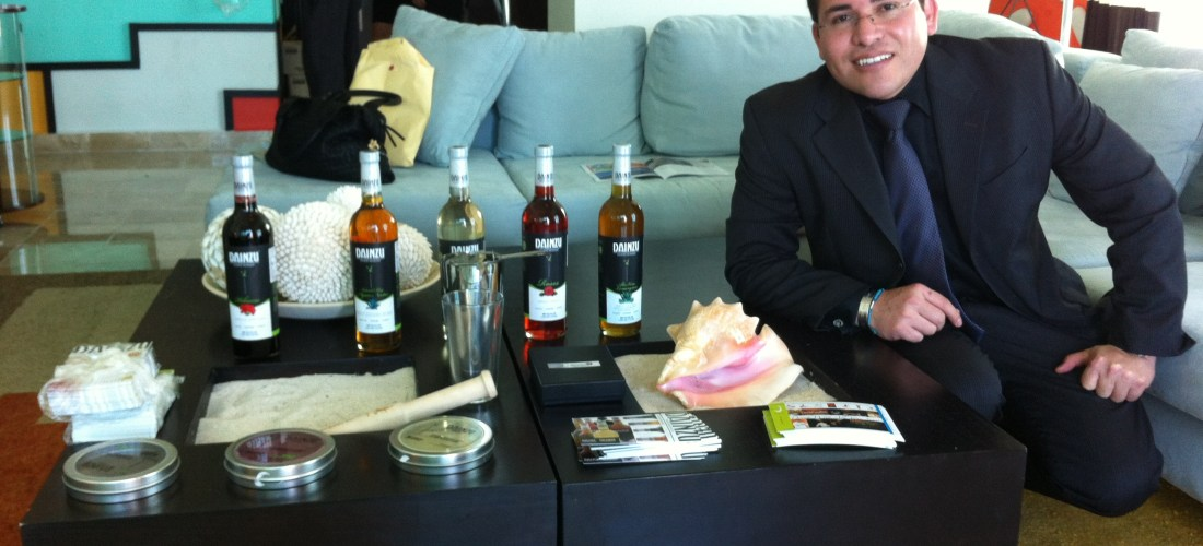 Lo mas destacado 2012 Junior Merino @TheLiquidChef inauguró Celebrity Lounge at «Cancún Wine & Food Festival»
