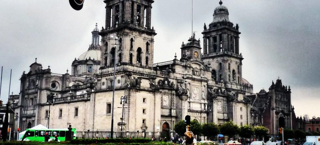 """#México a través de la lente """"Catedral de la Cd. de México"""" @marioli_5"""