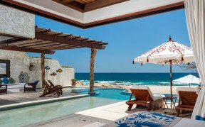 Luxury Beachfront VIlla 960 598