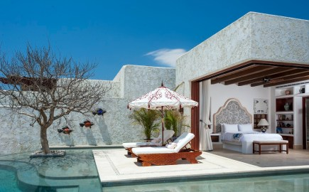 Luxury Villa and Pool 960 598