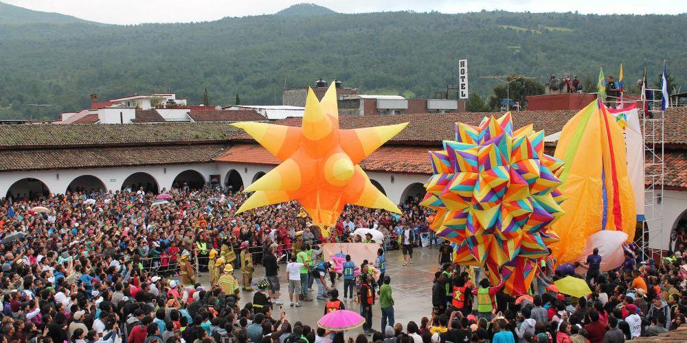 @cantoyafest llega a iluminar los cielos de #Pátzcuaro @AyunPatzcuaro