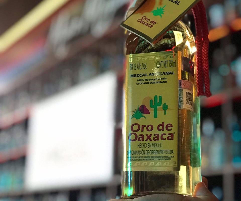 Mezcal Oro de Oaxaca presente entre las marcas participantes en el primer Foro Vive Mezcal 2019 en Oaxaca