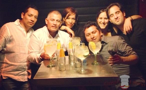 El equipo colombiano de cocineros en la Feria de Sevilla celebrando