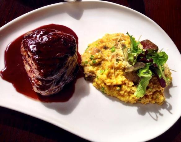 Lomo de alpaca en salsa con risotto