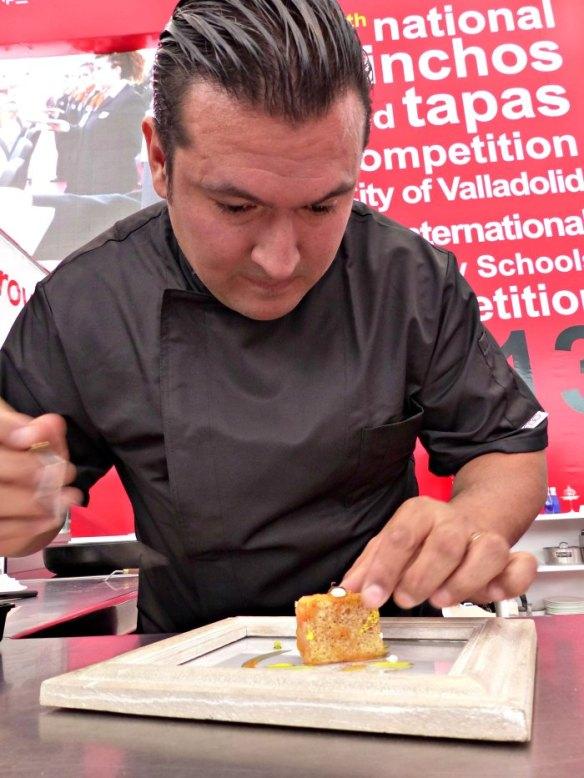 Javier Brichetto en un concurso de tapas