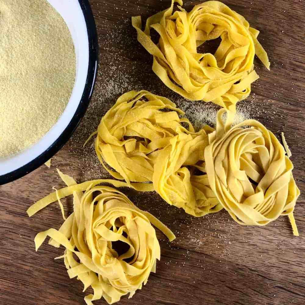 Selbstgemachte Pasta ohne Pasta Maschine.