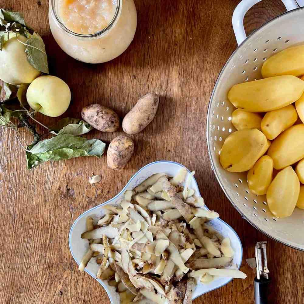 Kartoffeln schälen.