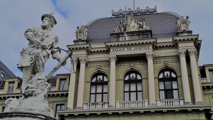 Palais de Justice mit Willhelm Tell