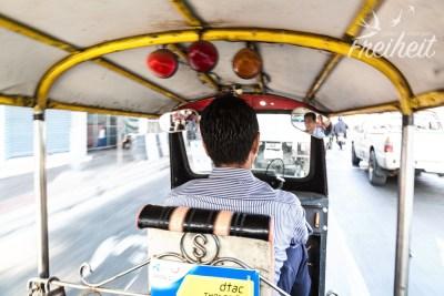 Luftig rasant durch Bangkoks Sraßen