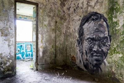 Street-Art in einer Ruine aus der französischen Kolonialzeit im Bokor Nationalpark