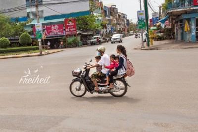 Fünf Personen auf zwei Rädern, gute Ökobilanz