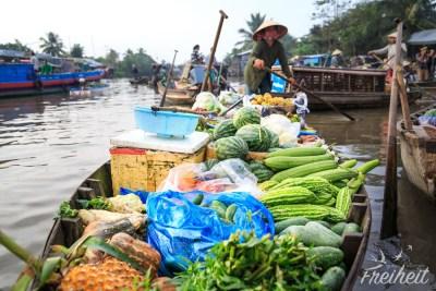 Händlerin auf dem Phong Dien Floating Market
