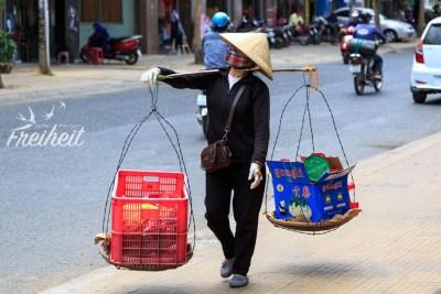 Straßenverkäuferin