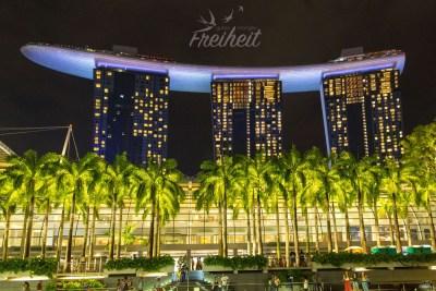 Aufsehen erregende Architektur - das Marina Bay Sands Hotel