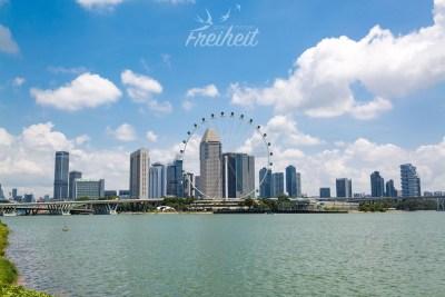 Auch Singapur besitzt ein Riesenrad - mit 165m Höhe das zweitöchste der Welt