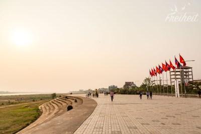 Die Mekongpromenade ist schon ein schöner Ort für Pediküre :-)