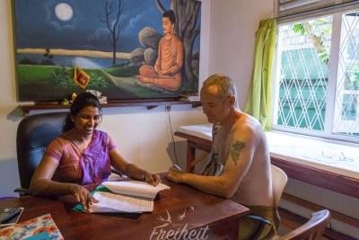 Carsten bei der täglichen Ärztekonsultation