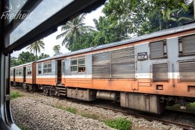 Die Züge in Sri Lanka sind echt museumsreif ;-)