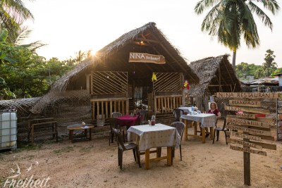Hier haben wir fast alle Mahlzeiten zu uns genommen - das Nina Restaurant in Uppuveli