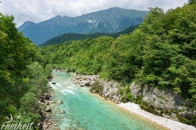 Die Soča vor den Julischen Alpen