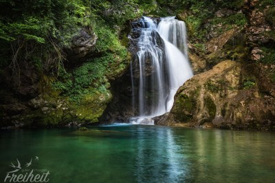 Und so sieht der Wasserfall Šum langzeitbelichtet aus :)