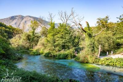 Am Ende dieses Flusses wartet die Blue Eye Quelle auf uns