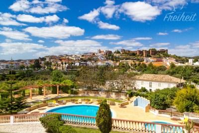 Silves - sehenswerte kleine Stadt im Hinterland der Algarve