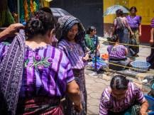 Auf dem Markt von Santiago Atitlan