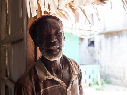 Garifuna-Mann in Livingston, Guatemala