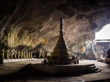 Die Stupa in der Höhle