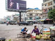 Auf dem Boden der Realität in Phnom Penh, Kambodscha.
