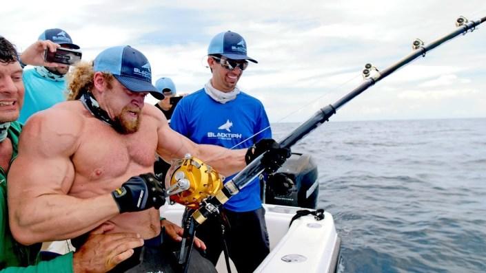 Strongest men vs. strongest fish…