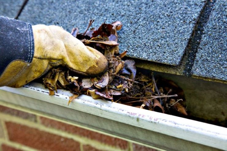 gutter cleaning wichita clogged