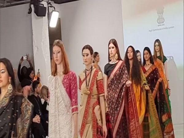 Mekhela Chador Dazzles During India Day At London Fashion Week Guwahati Times