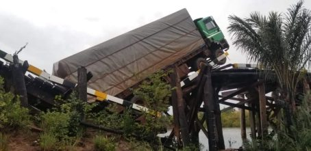 Pirara Bridge Collapses Under the Weight of Truck