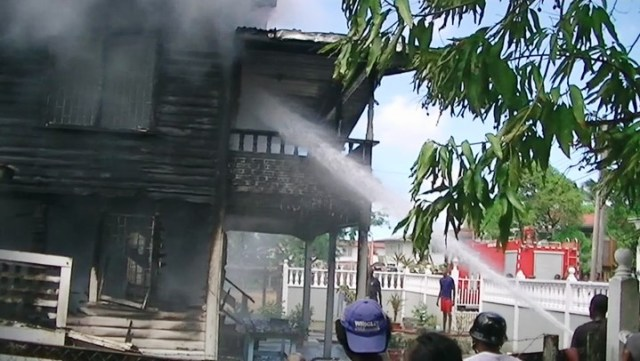 firefighters-trying-to-put-out-the-blaze
